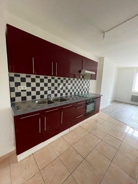 Appartement à louer 3 43.17m2 à Raismes vignette-1
