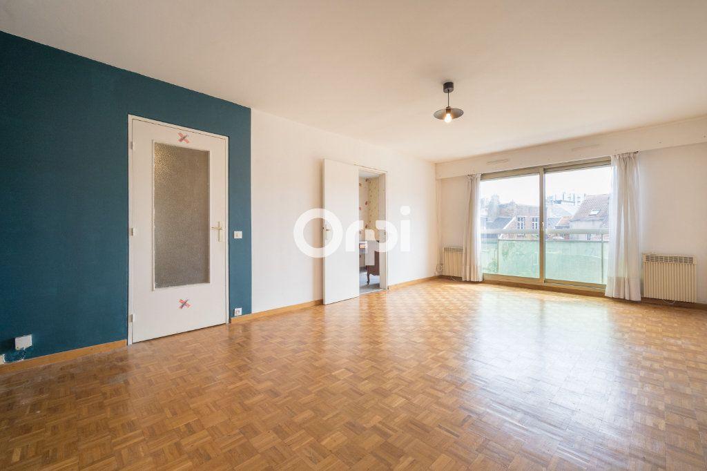 Appartement à vendre 3 72.6m2 à Valenciennes vignette-1