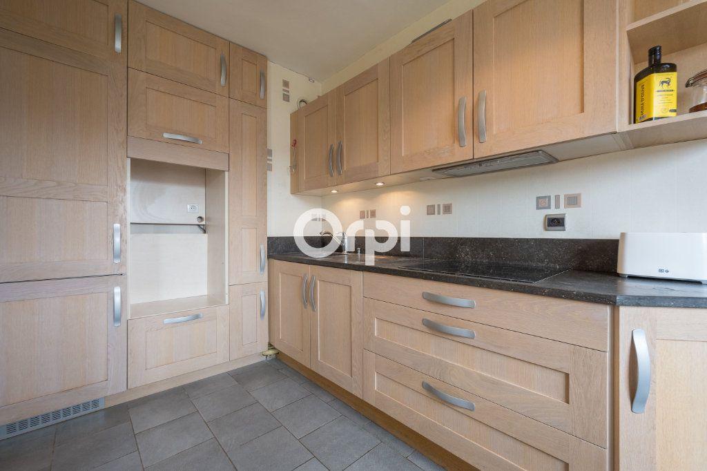 Appartement à vendre 3 72.6m2 à Valenciennes vignette-3