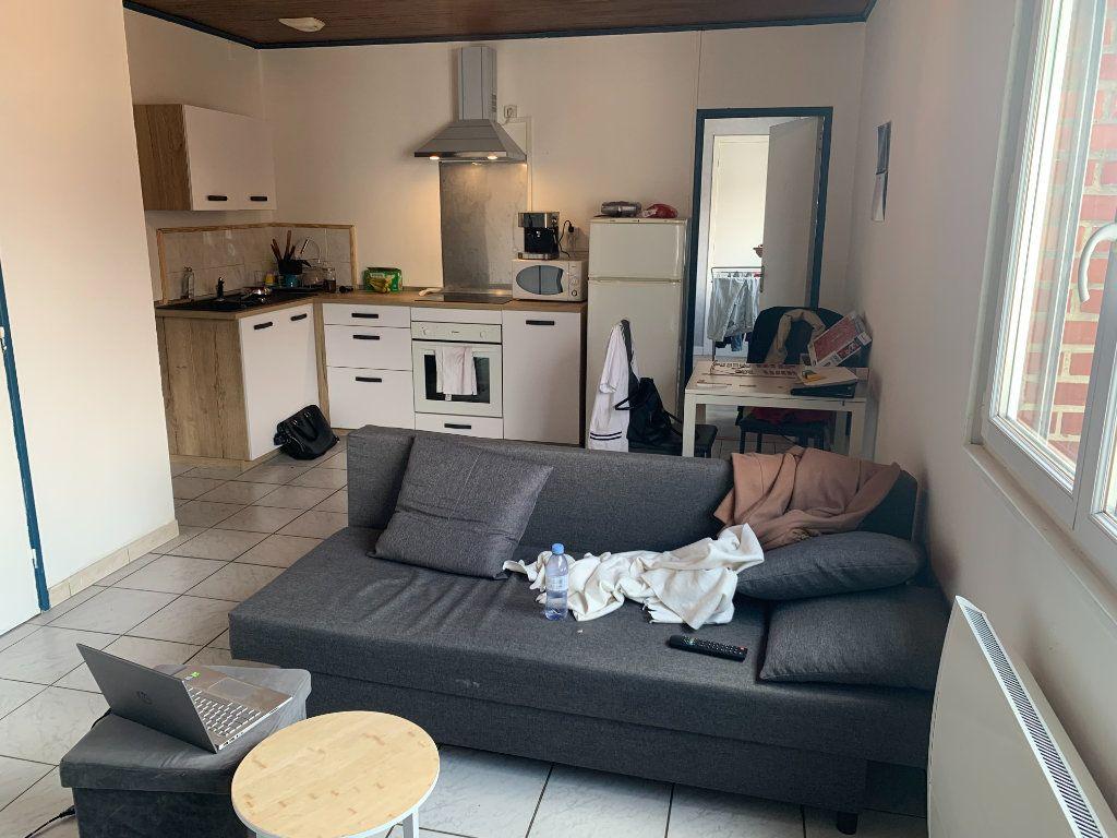 Appartement à louer 2 39m2 à Maubeuge vignette-2