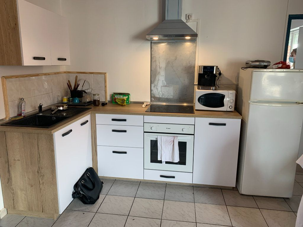 Appartement à louer 2 39m2 à Maubeuge vignette-3