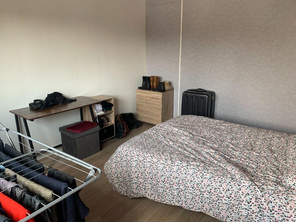 Appartement à louer 2 39m2 à Maubeuge vignette-4