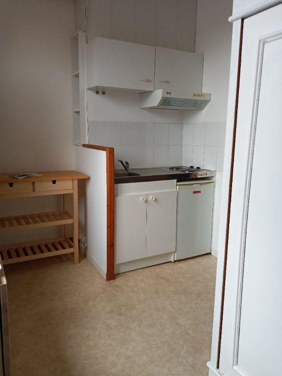 Appartement à louer 1 16.7m2 à Valenciennes vignette-2