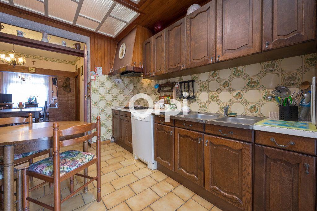 Maison à vendre 4 82m2 à Beuvrages vignette-5