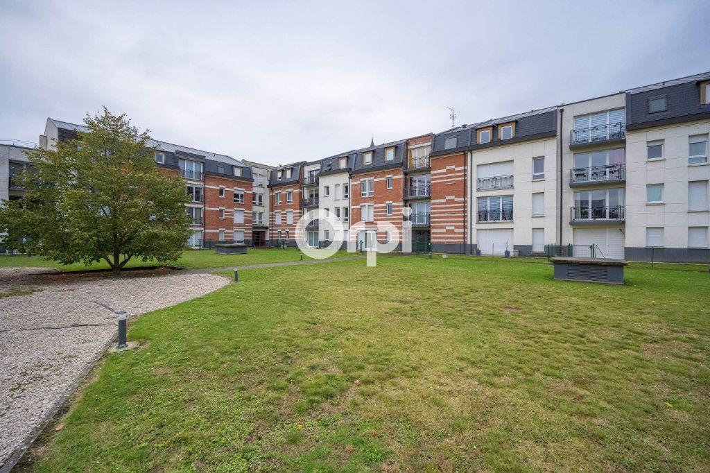 Appartement à vendre 3 63.81m2 à Valenciennes vignette-1