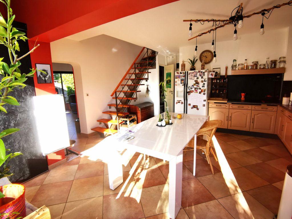 Maison à vendre 5 115m2 à Saint-Gély-du-Fesc vignette-5