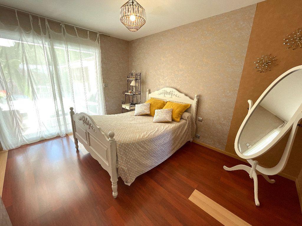 Maison à vendre 4 166.35m2 à Saint-Bauzille-de-Montmel vignette-8