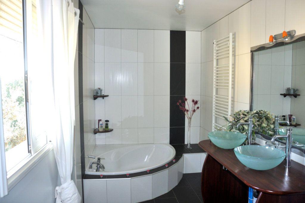 Maison à vendre 4 166.35m2 à Saint-Bauzille-de-Montmel vignette-10