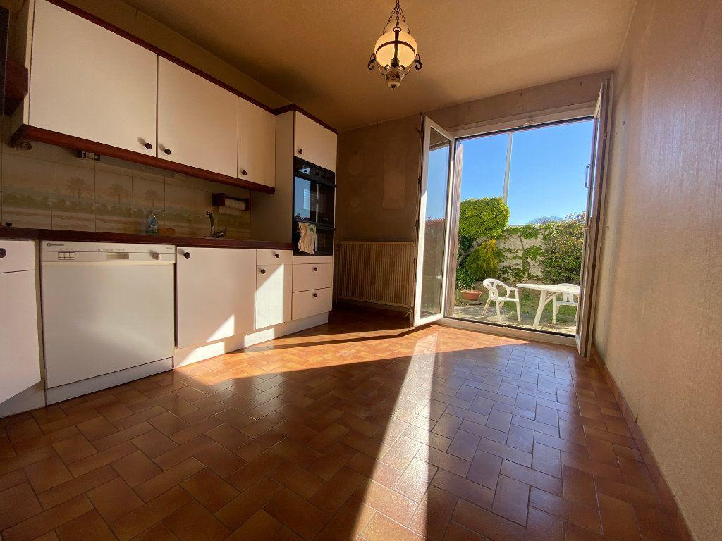 Maison à vendre 5 120m2 à Saint-Gély-du-Fesc vignette-2