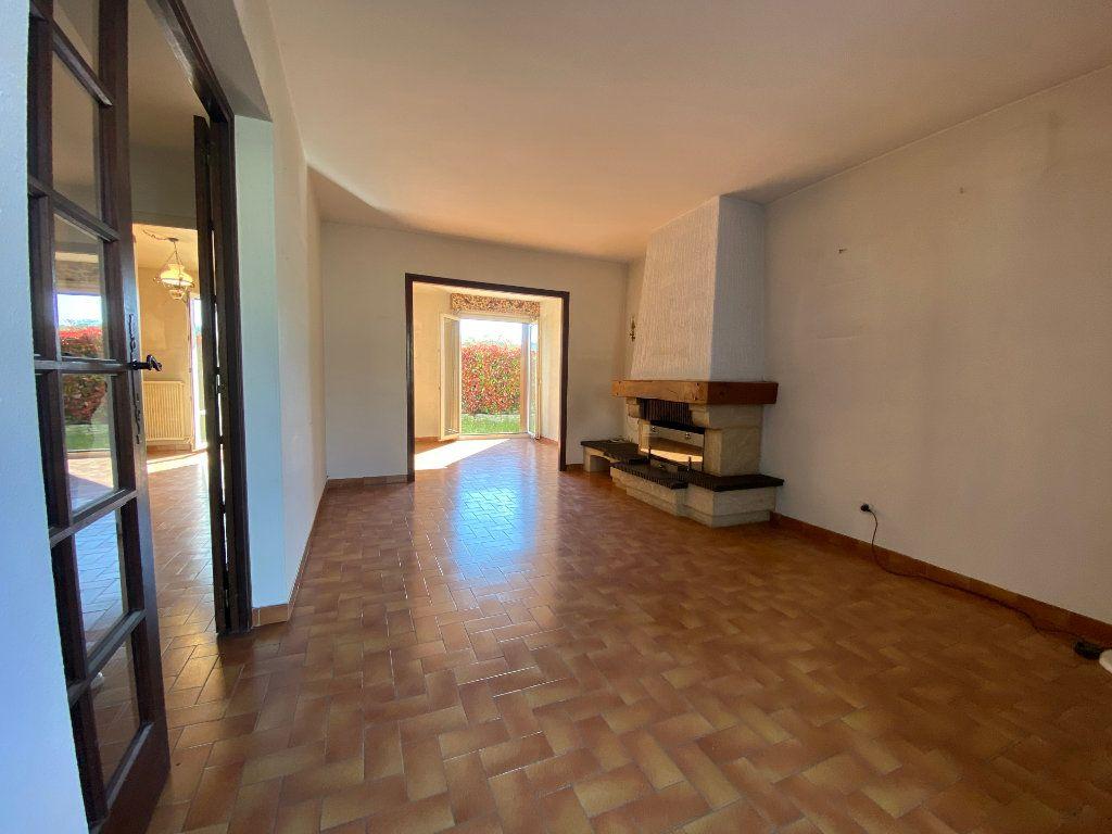 Maison à vendre 5 120m2 à Saint-Gély-du-Fesc vignette-3