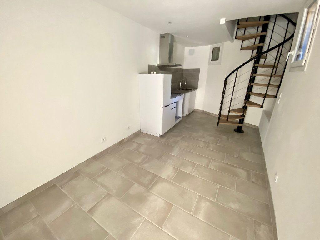 Appartement à louer 2 29.67m2 à Mas-de-Londres vignette-1