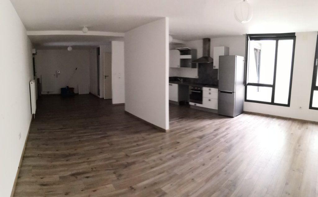 Appartement à louer 2 72.37m2 à Nancy vignette-2