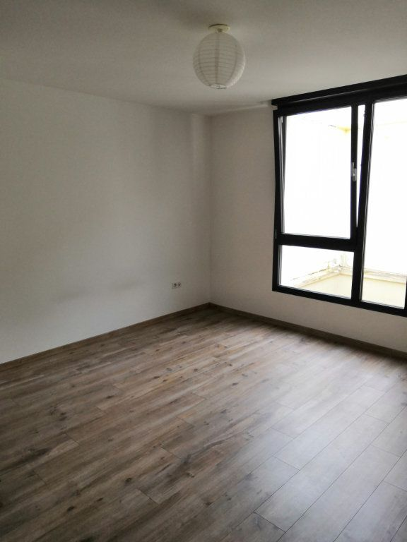 Appartement à louer 2 72.37m2 à Nancy vignette-4