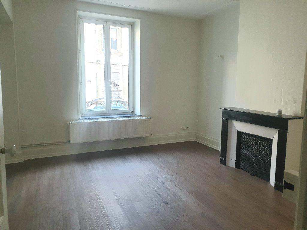 Appartement à louer 2 46m2 à Nancy vignette-1
