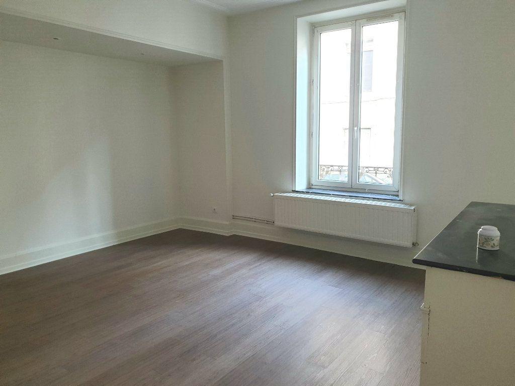 Appartement à louer 2 46m2 à Nancy vignette-2