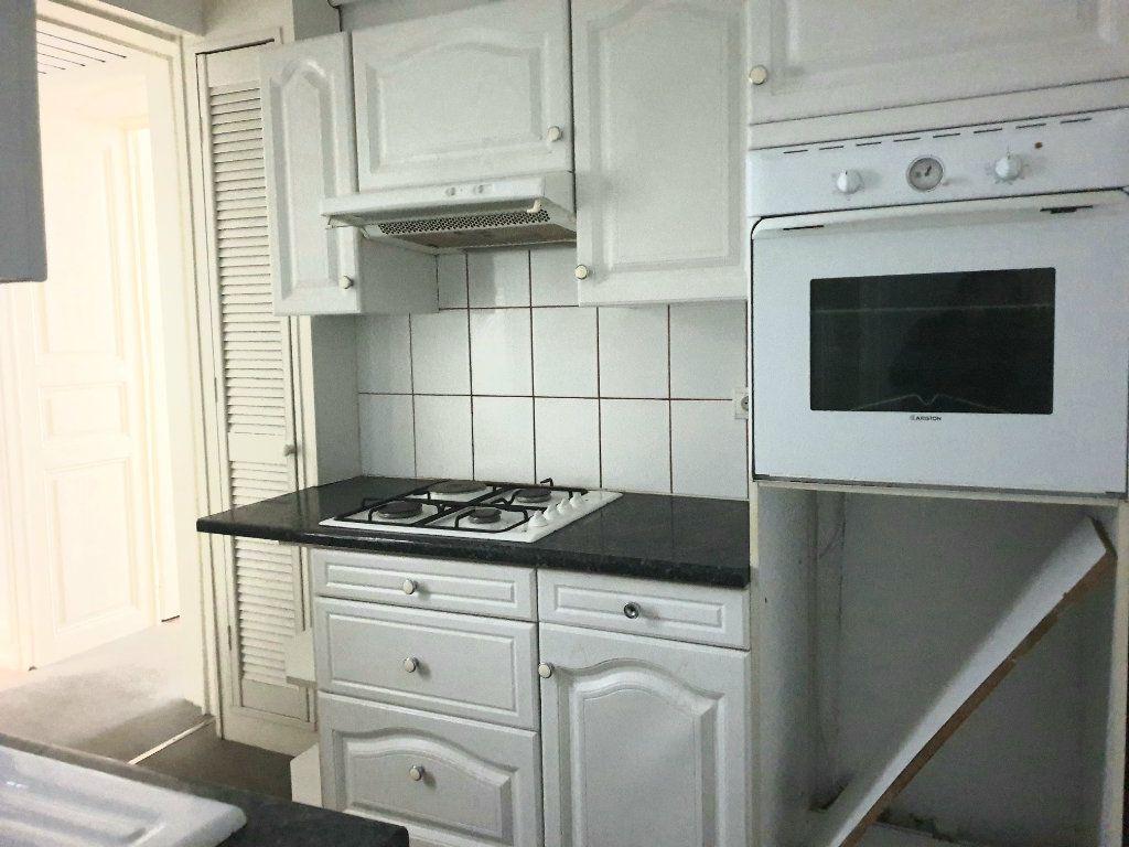 Appartement à louer 2 46m2 à Nancy vignette-3