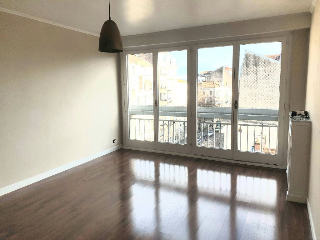 Appartement à louer 2 50m2 à Nancy vignette-2