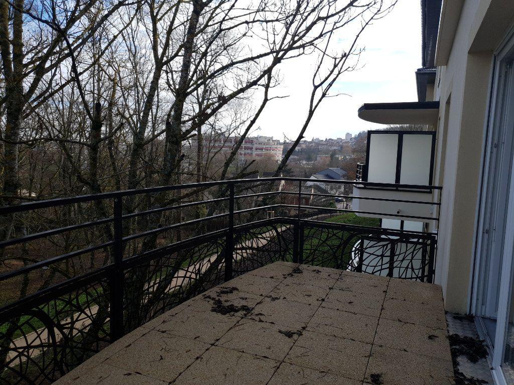 Appartement à louer 3 64.85m2 à Villers-lès-Nancy vignette-6