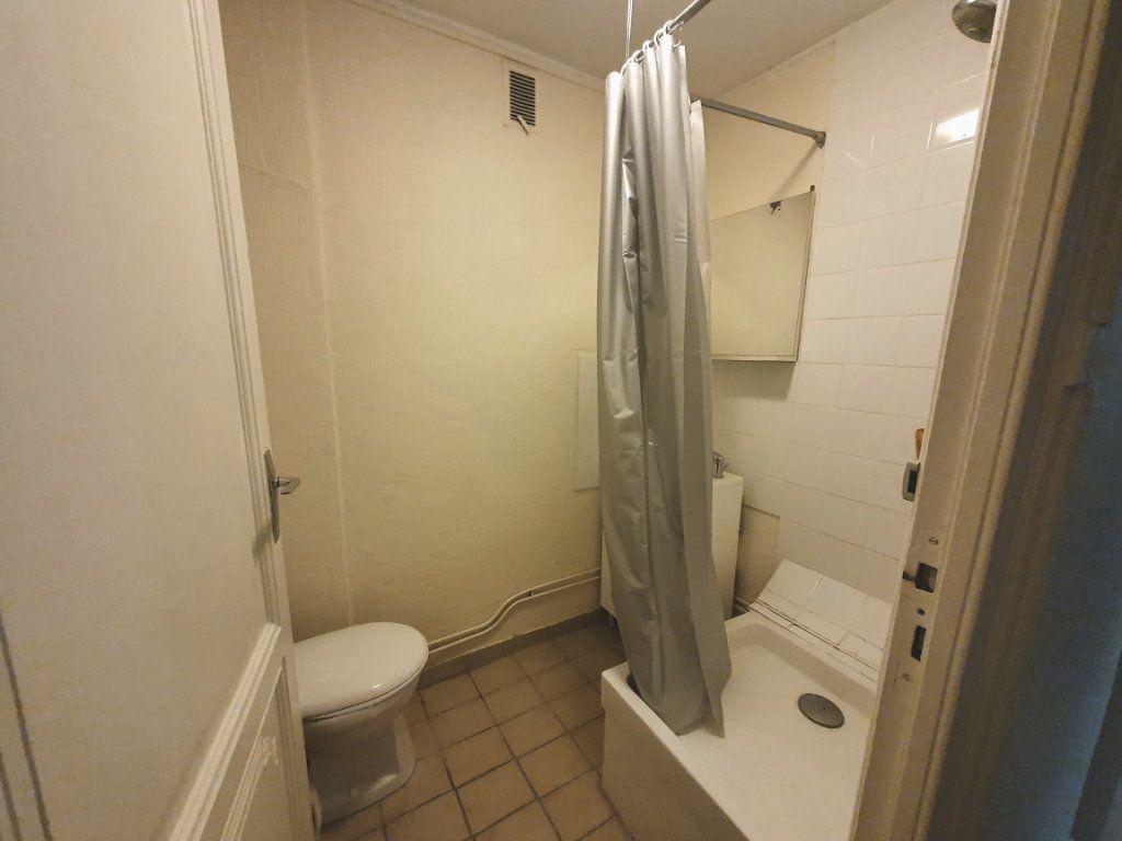 Appartement à louer 1 21.7m2 à Nancy vignette-6