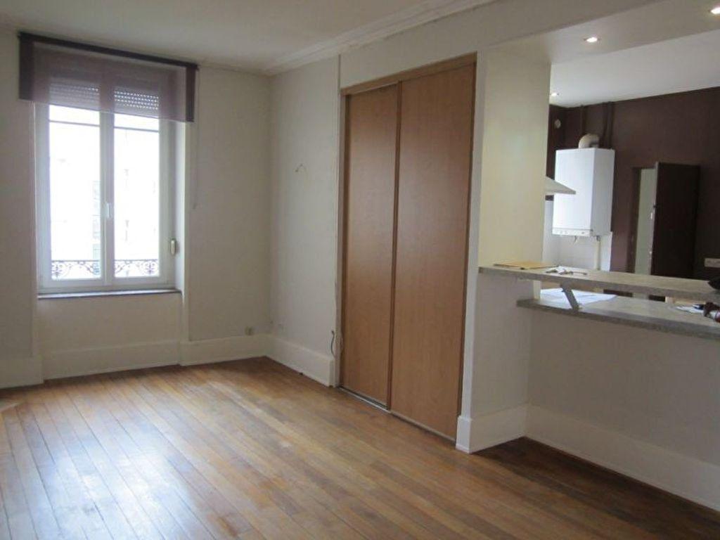 Appartement à louer 3 84m2 à Nancy vignette-2