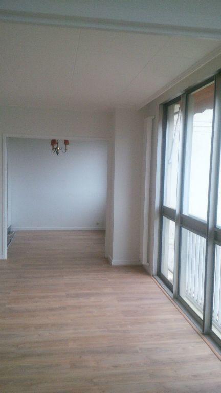 Appartement à louer 4 94.86m2 à Nancy vignette-1