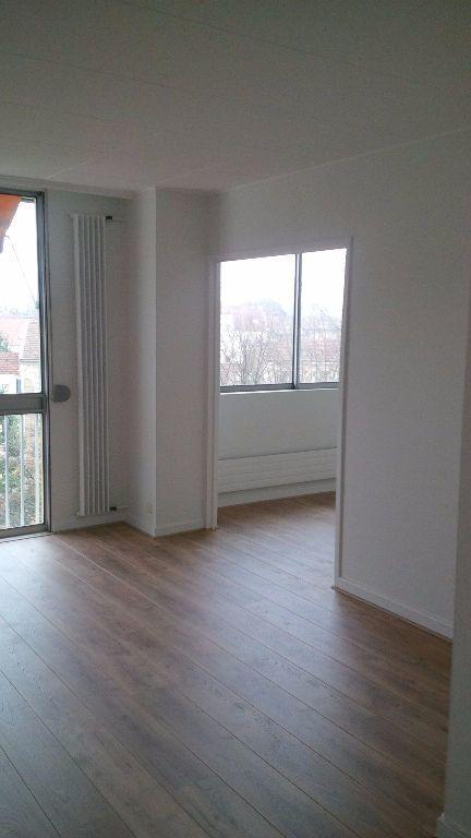 Appartement à louer 4 94.86m2 à Nancy vignette-2