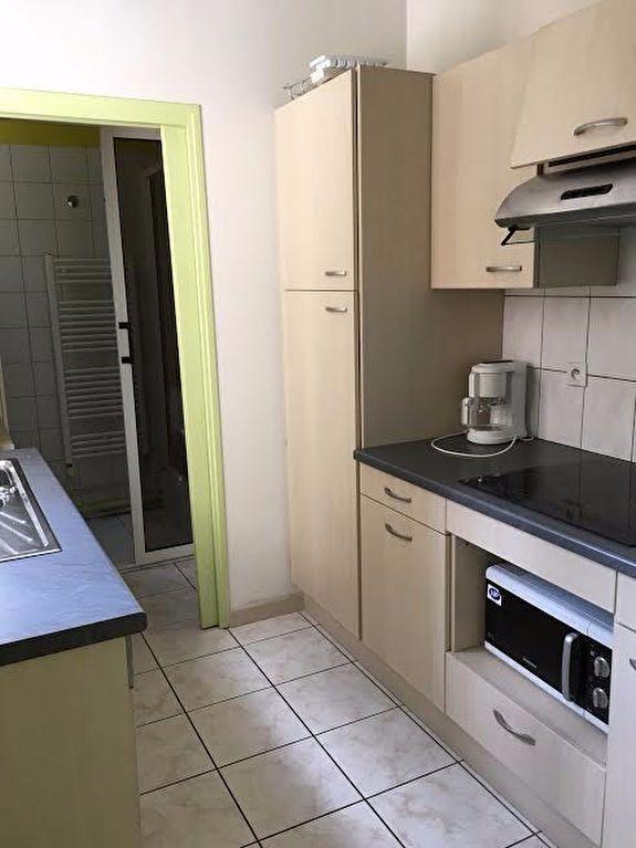 Appartement à louer 3 60.4m2 à Nancy vignette-1