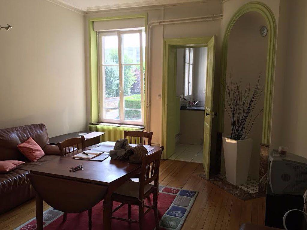 Appartement à louer 3 60.4m2 à Nancy vignette-2