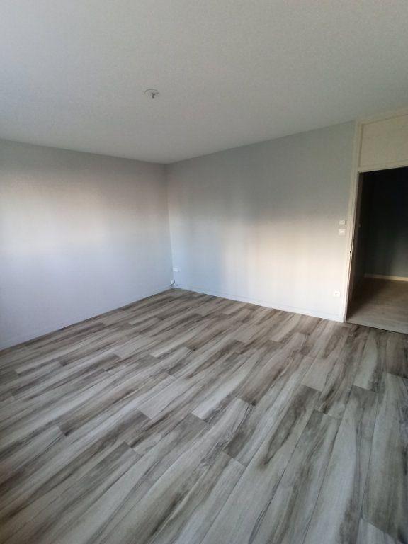 Appartement à louer 3 74.68m2 à Laxou vignette-9