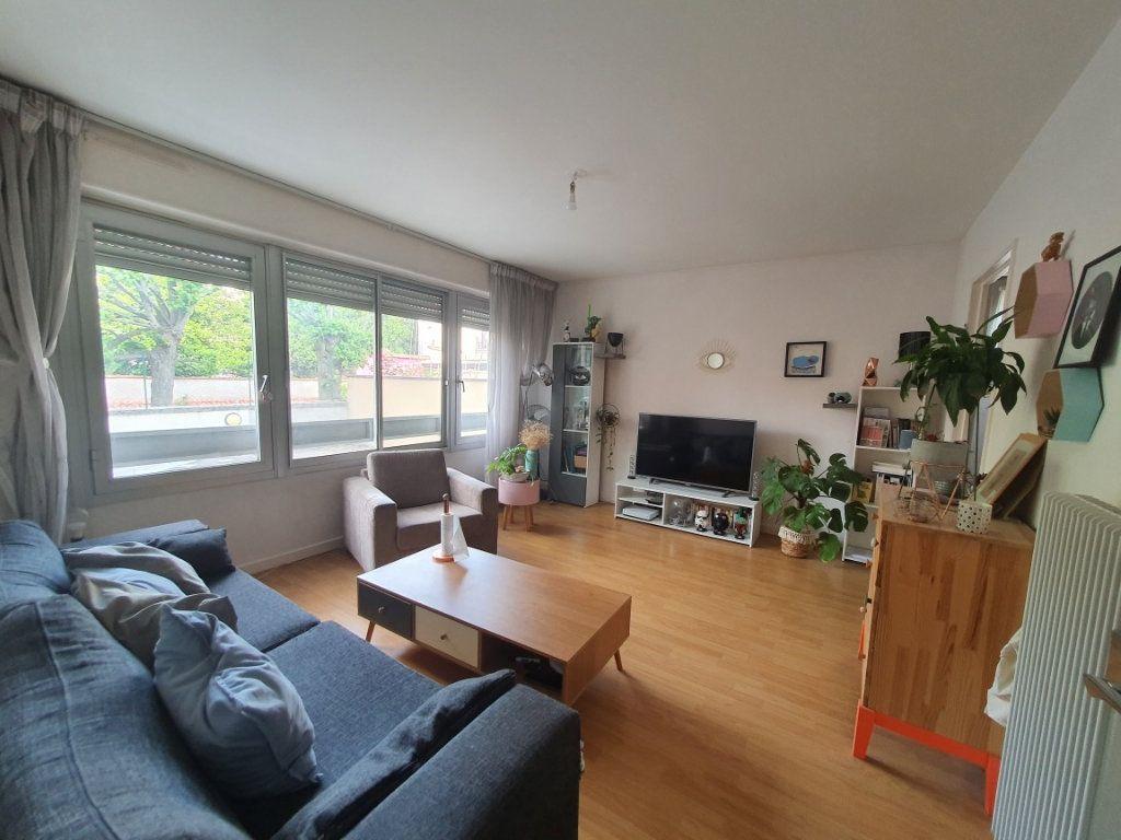 Appartement à louer 2 54m2 à Nancy vignette-1