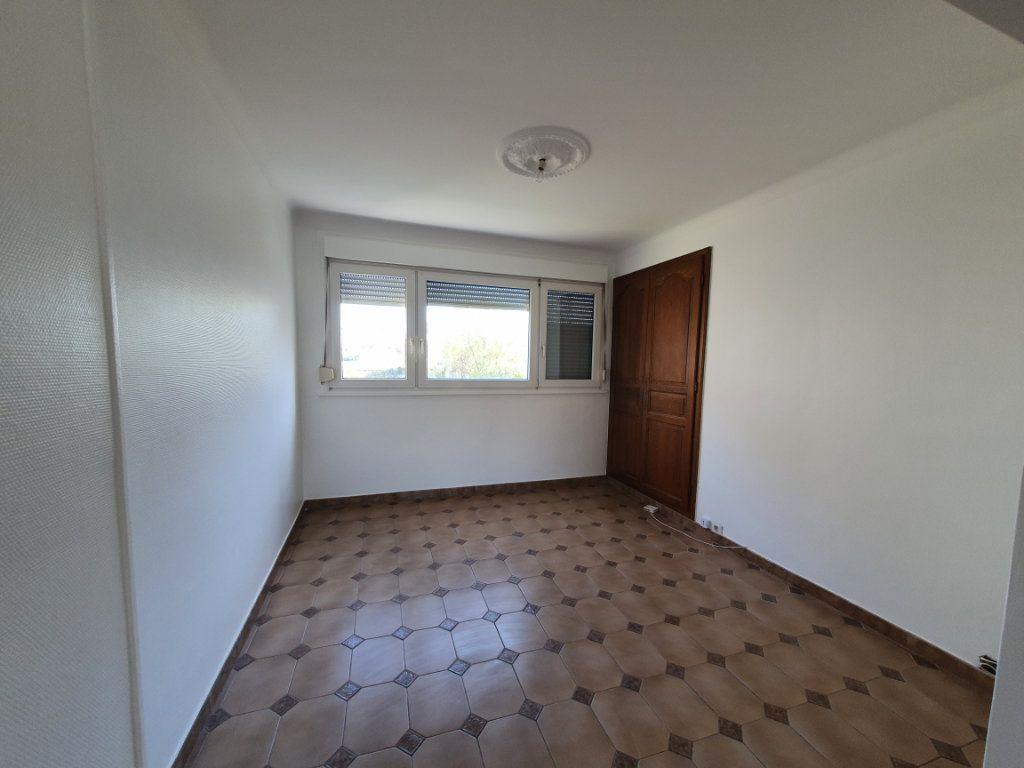 Appartement à louer 4 68m2 à Vandoeuvre-lès-Nancy vignette-4
