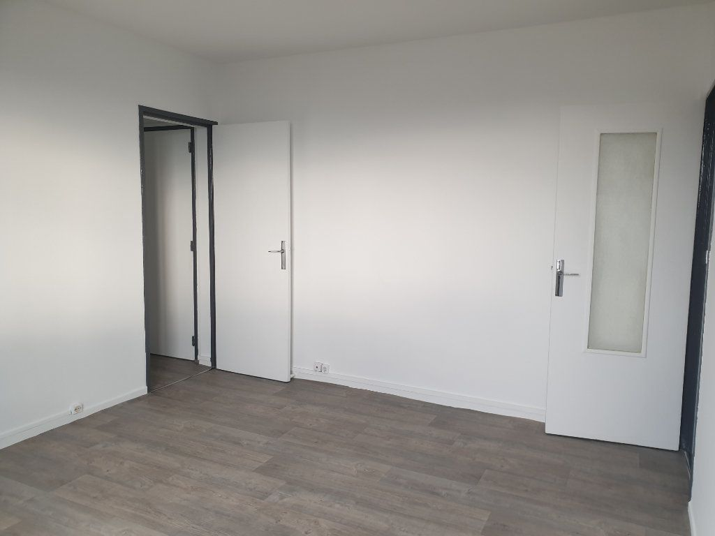 Appartement à louer 3 58m2 à Nancy vignette-2