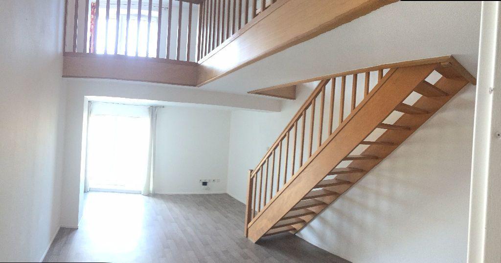 Appartement à louer 2 56.06m2 à Nancy vignette-2