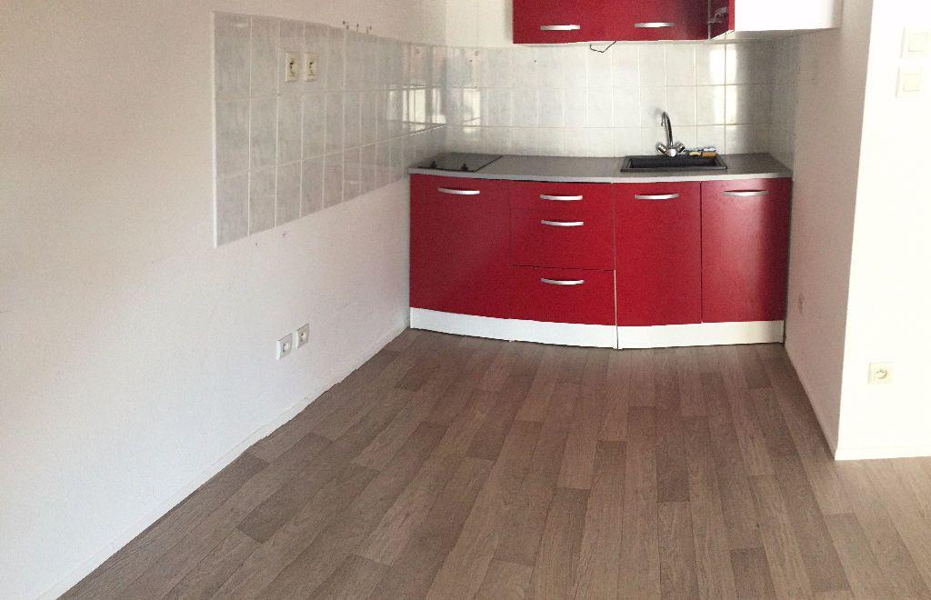 Appartement à louer 2 56.06m2 à Nancy vignette-3
