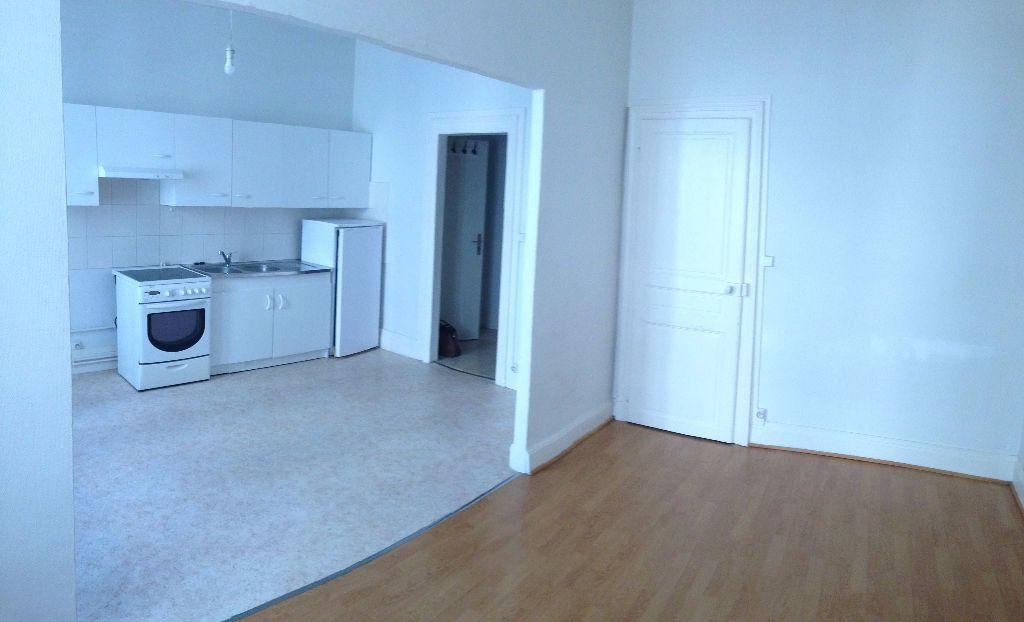 Appartement à louer 2 47m2 à Nancy vignette-2