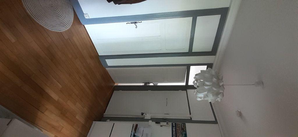 Appartement à louer 3 65.65m2 à Nancy vignette-13
