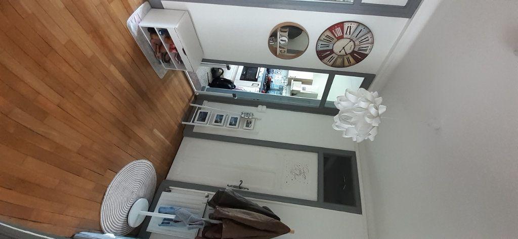 Appartement à louer 3 65.65m2 à Nancy vignette-14