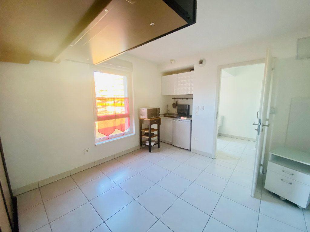 Appartement à louer 1 17m2 à Schiltigheim vignette-1