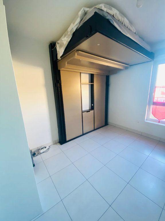 Appartement à louer 1 17m2 à Schiltigheim vignette-2