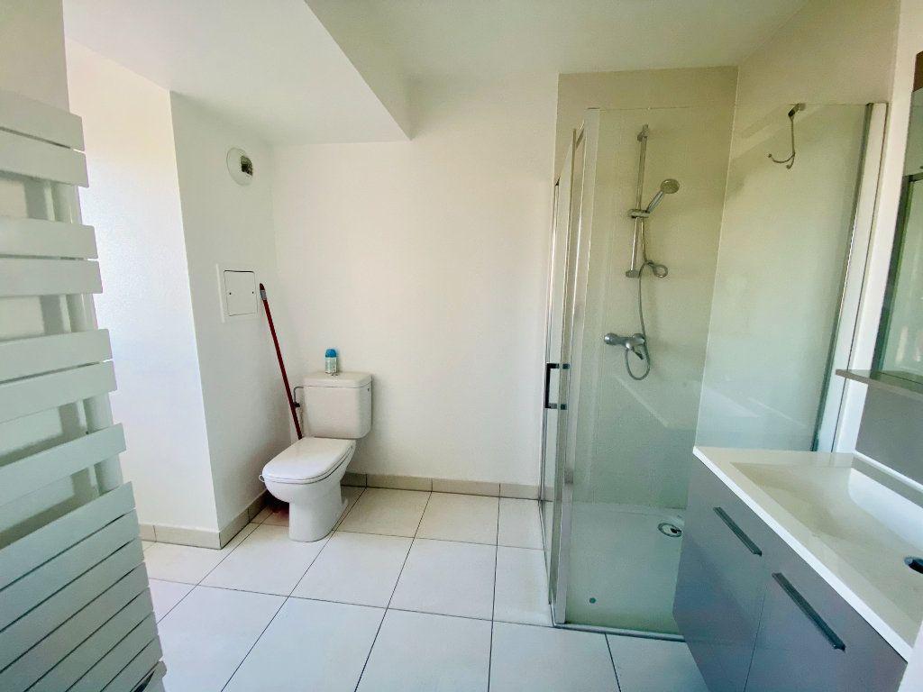 Appartement à louer 1 17m2 à Schiltigheim vignette-3