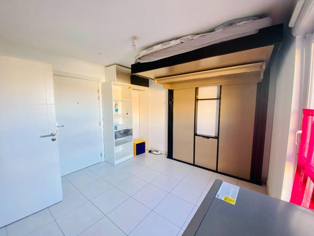 Appartement à louer 1 17m2 à Schiltigheim vignette-5