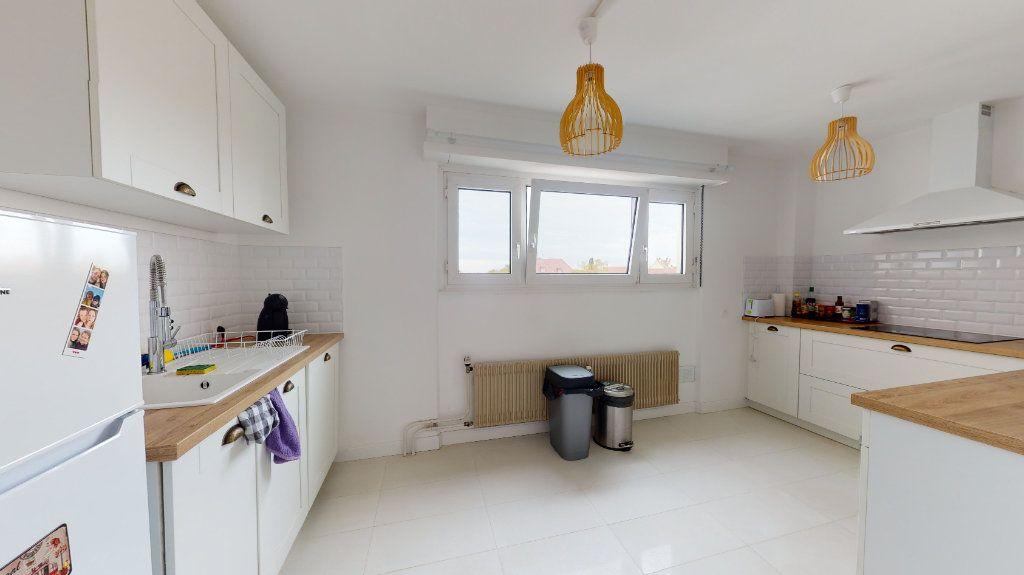 Appartement à vendre 3 89.24m2 à Strasbourg vignette-2