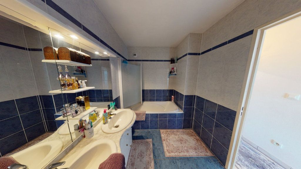 Appartement à vendre 3 74m2 à Strasbourg vignette-4