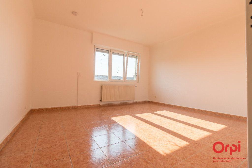 Appartement à louer 4 71m2 à Schiltigheim vignette-1