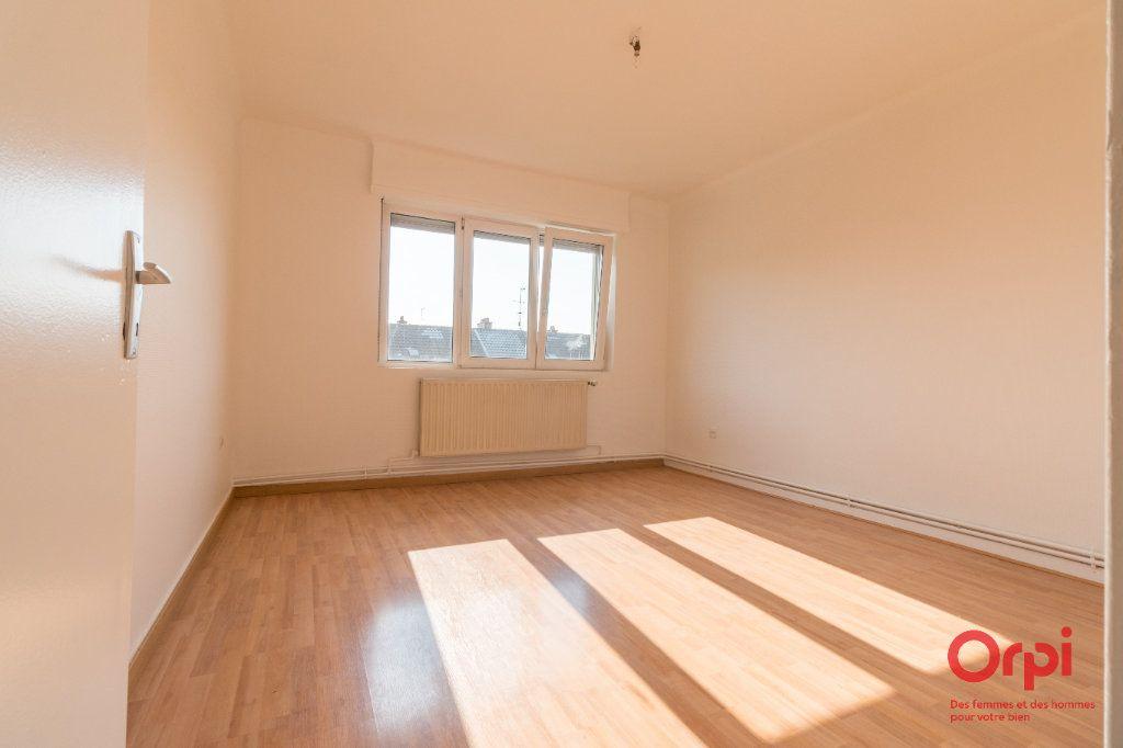 Appartement à louer 4 71m2 à Schiltigheim vignette-3