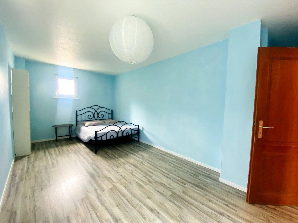 Appartement à louer 4 80m2 à Hoenheim vignette-3