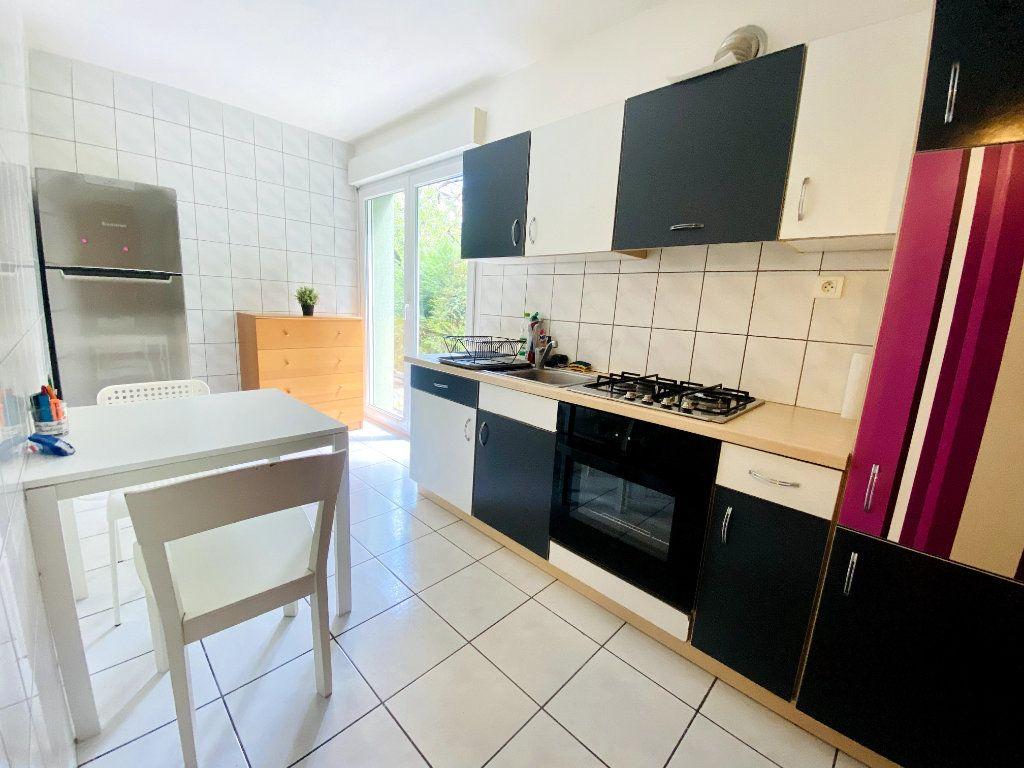 Appartement à louer 4 80m2 à Hoenheim vignette-4