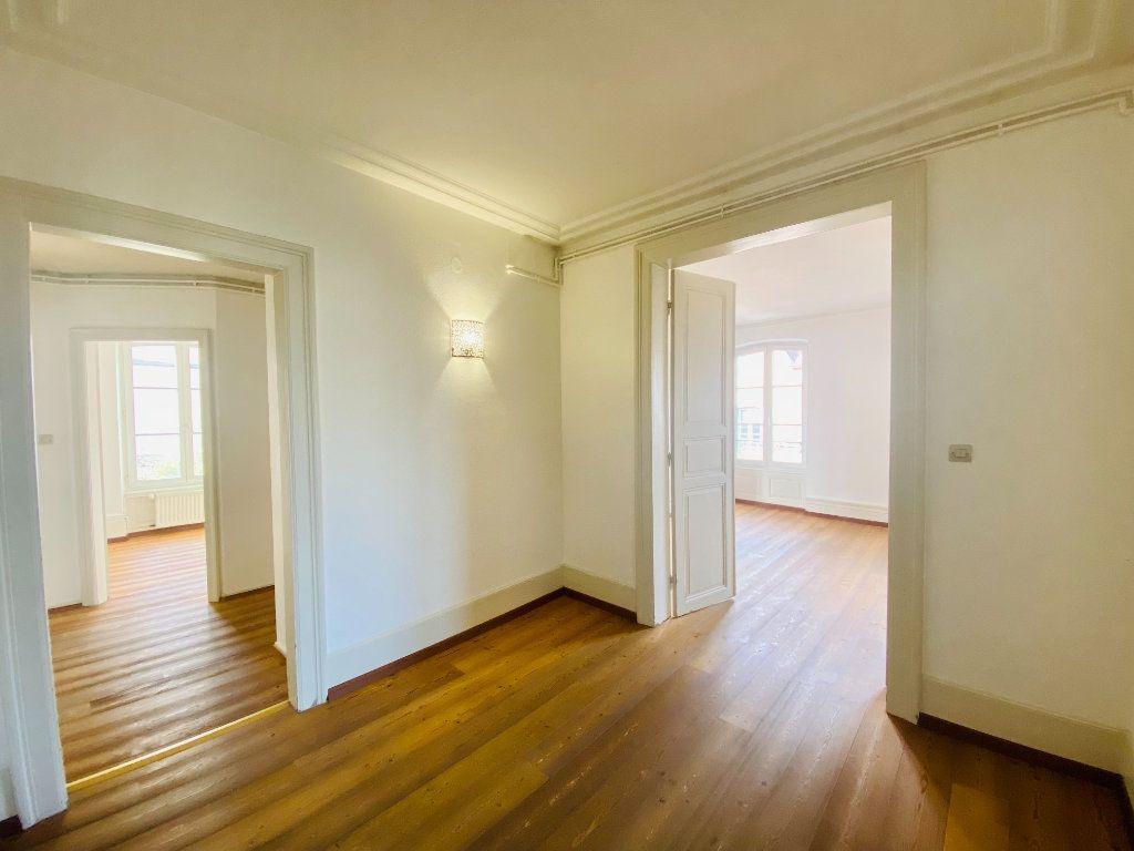 Appartement à louer 5 99m2 à Strasbourg vignette-5