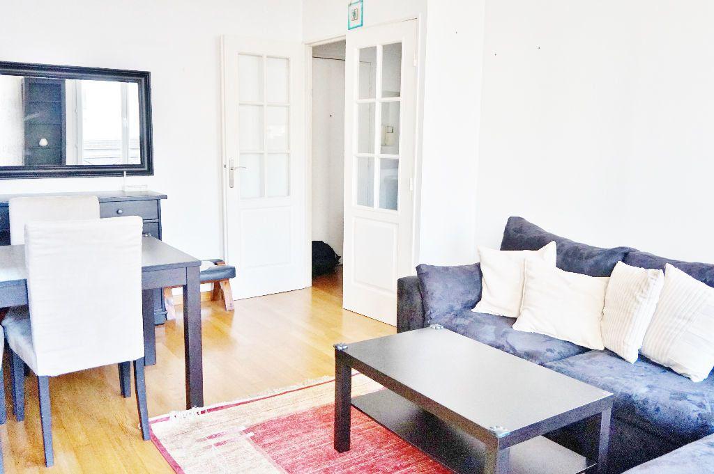 Appartement à louer 2 45m2 à Paris 15 vignette-1