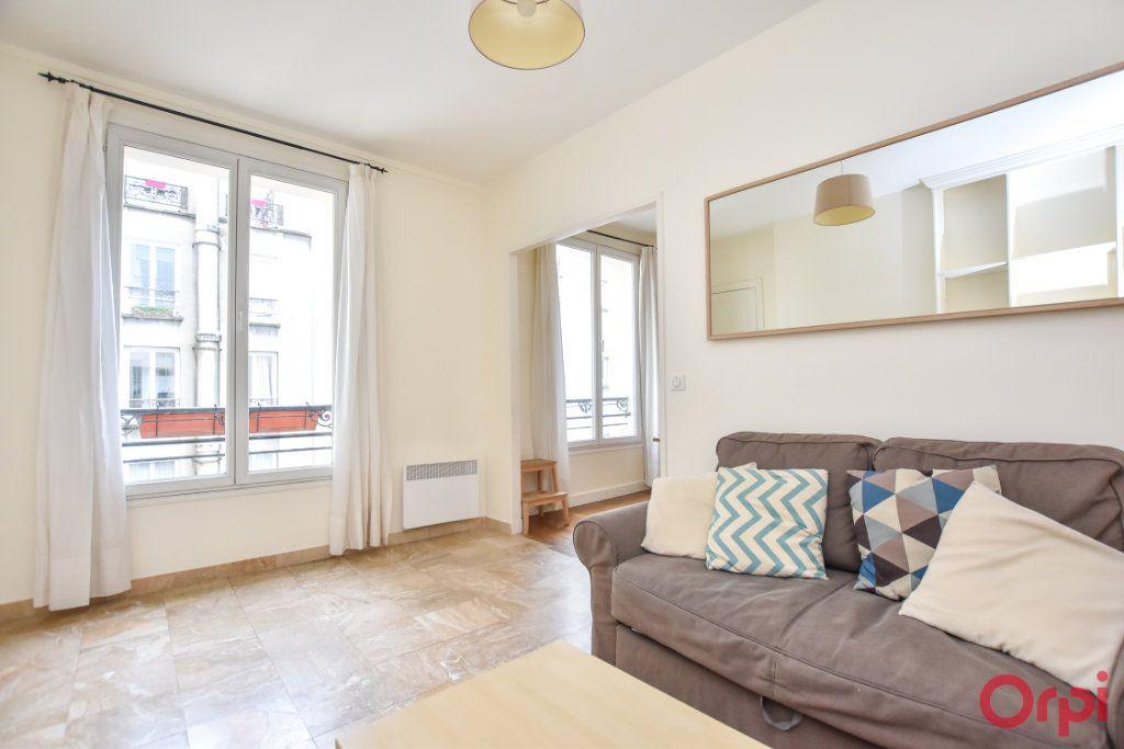 Appartement à louer 2 34m2 à Paris 15 vignette-1